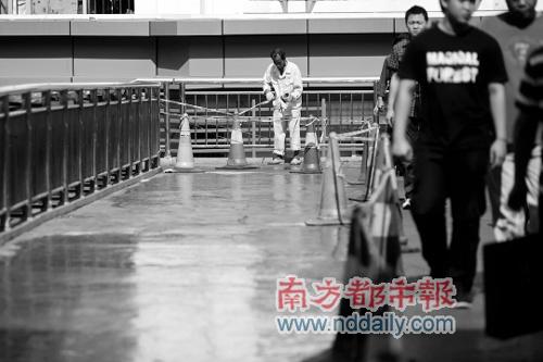 深圳一天桥160万造价跌至25万 未验收就返修