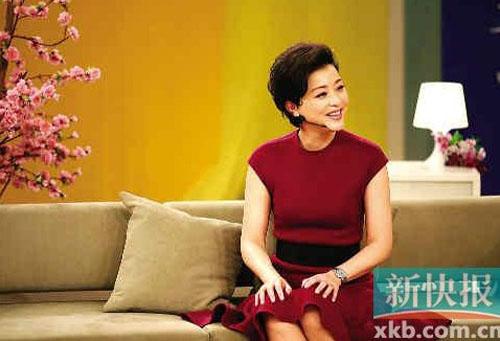 杨澜录节目遭丈夫高调示爱  主持《天下女人》八年间,杨澜...