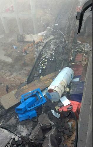 河南连霍义昌大桥炸坍事故2