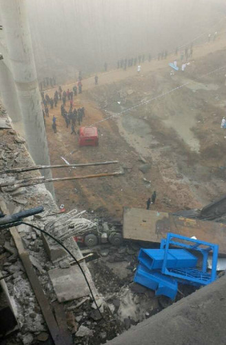 河南连霍义昌大桥炸坍事故3