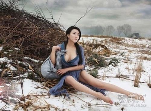 龚玥菲新金瓶梅剧照香艳 被誉为史上最美潘金莲