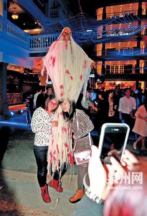 泉州领show天地万圣演绎趴昨夜搞鬼启幕百鬼美女岁惊魂40图片
