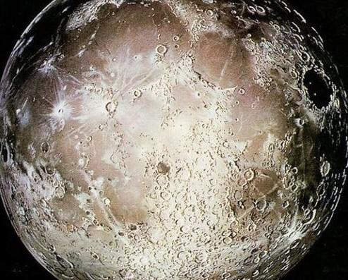 对阿波罗航天飞机采集的月球石头碎片中含有的氯进行