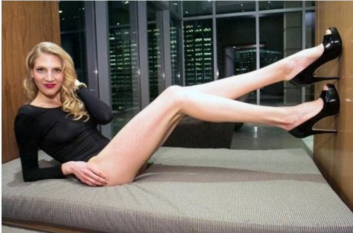 美国长腿美女腿长119厘米