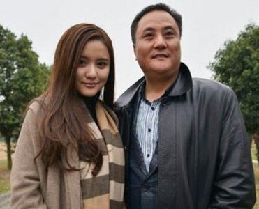 美女董事长艾如爸爸艾雅康背景