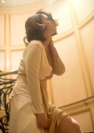 性爱熟妇15p_日本女优矶山沙耶香短发魅力 宅男女神丰满双峰尽熟女