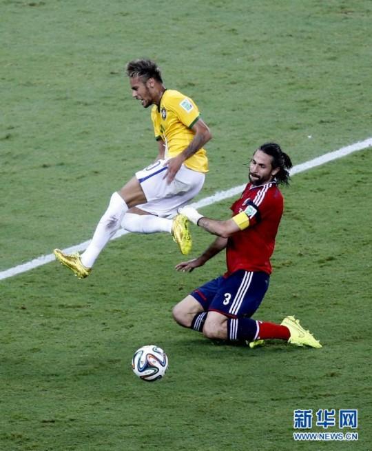 2014世界杯1 4决赛巴西2 1淘汰哥伦比亚晋级4强图片