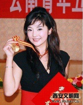 于婉晴_云南电视台节目购销中心主任于婉晴