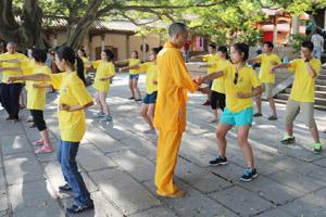 斯里兰卡驻华大使参观泉州少林寺 华裔小孩寻根或将纽约建分寺