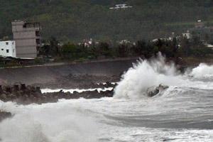 """强台风""""麦德姆""""台湾灾情现场组图 现已登陆福建最大风力11级"""