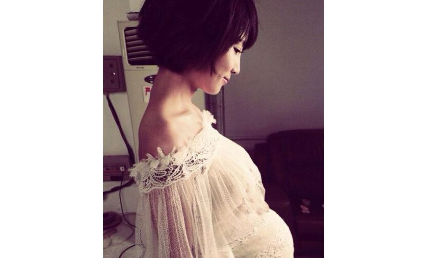 女主播谢楠怀孕6个月晒大肚照 证实为吴京怀双胞胎
